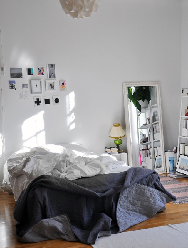 bedroom-in-the-morning