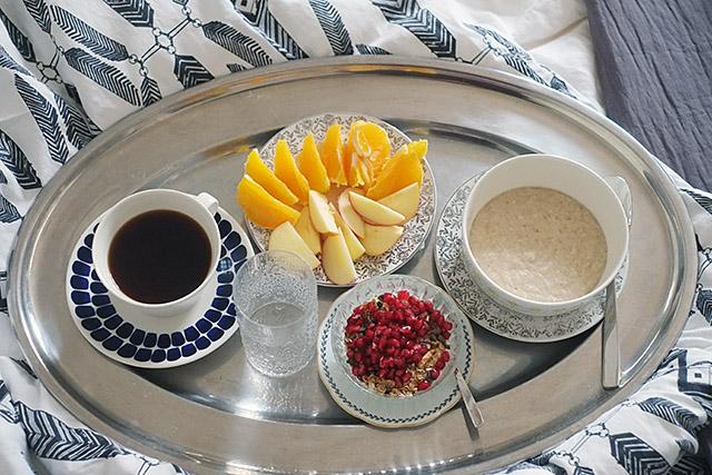 aamiainen-vuoteessa