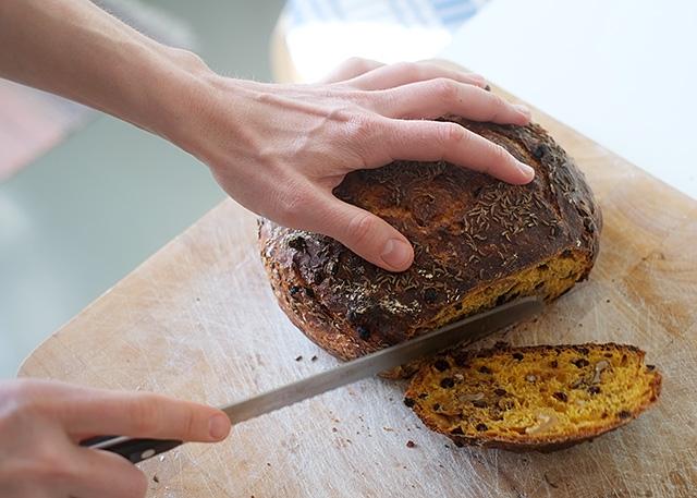 vaivaamaton-leipa