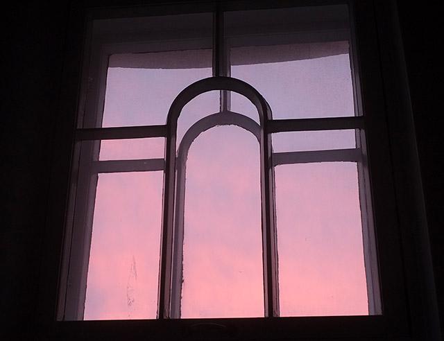 vaaleanpunainen-taivas
