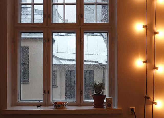 pisarat-ikkunassa-3