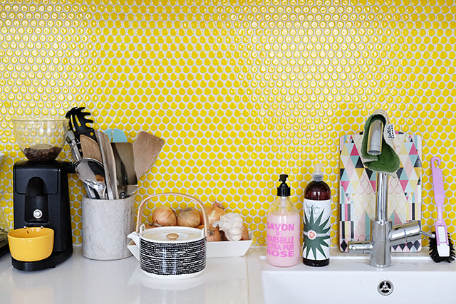 cosy-home-yellow-kitchen-3